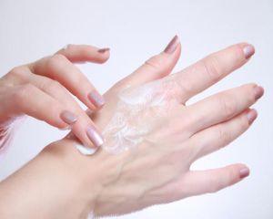 Cum ne protejam pielea si parul in sezonul rece