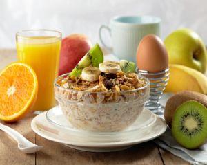 Ce risti daca sari peste micul dejun