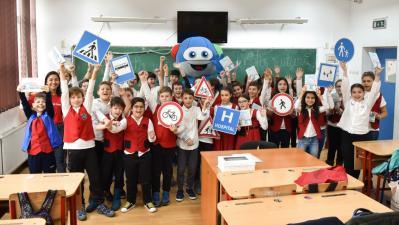 Programul de educatie rutiera MobileKids, organizat de Mercedes-Benz si Salvati Copiii