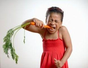 5 lucruri pe care nu trebuie sa i le spui copilului despre mancare