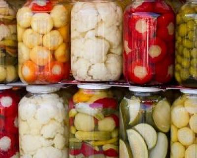 Sfatul nutritionistului: cum preparam cele mai gustoase si sanatoase muraturi si compoturi