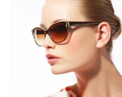 Ochelarii de soare sunt obligatorii, dar periculosi: cum ii alegem corect