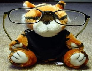 Cum sa aplici machiajul daca porti ochelari