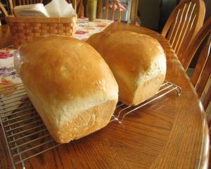 Brutarii scot pe piata paine facuta dupa retete din vremea comunismului