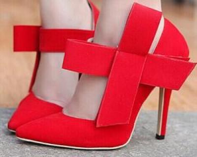 Cum sa iti largesti pantofii preferati daca nu iti mai vin