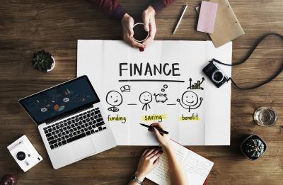 Greseli financiare pe care femeile trebuie sa le evite