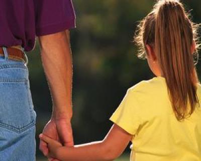 Cum este afectata dezvoltarea normala a copiilor de plecarea parintilor la munca in strainatate