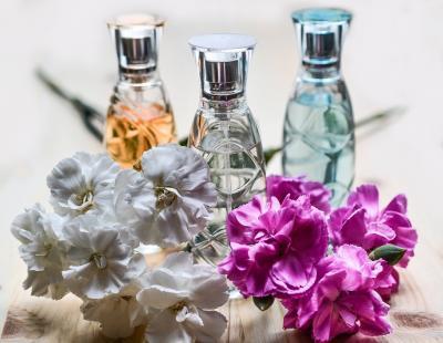 Cum iti faci parfumul sa reziste mai mult pe piele