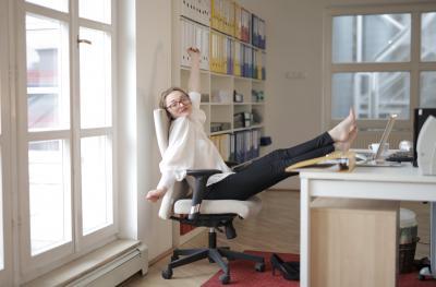 Eticheta stilistica: Ce tip de incaltaminte poti purta la birou?
