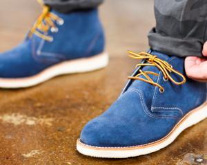 5 trucuri pentru a curata corect pantofii din piele intoarsa