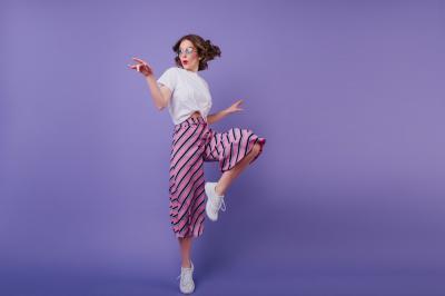 5 piese vestimentare basic pe care sa le combini in tinute de primavara