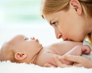 3 greseli pe care le fac parintii in primele luni de viata ale bebelusului
