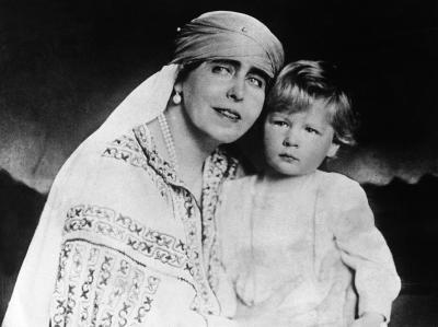 Regina-mama Elena, reinhumata in Romania