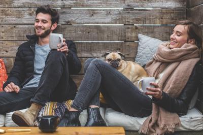 Studiu: Femeile singure sunt mai fericite