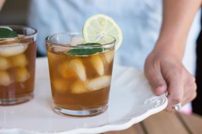 5 retete de bauturi sanatoase, racoritoare si revigorante