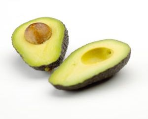 Salata cu avocado si ton