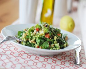 Reteta de salata pentru detoxifierea de primavara