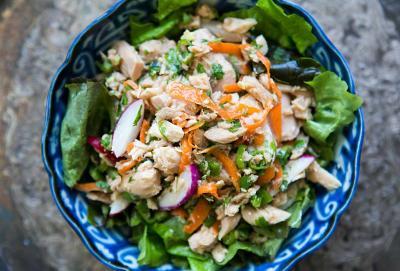 3 idei de salate pe care le poti face in mai putin de 30 de minute
