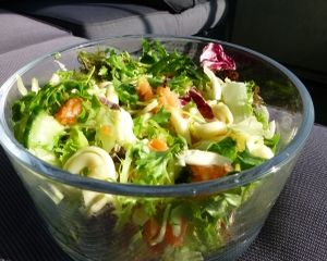 2 retete de salate pentru un stil de viata sanatos