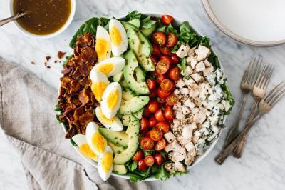 Cele mai bune patru salate pentru final de vara! Te vei indragosti!