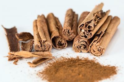 Top beneficii ale ceaiului de scortisoara