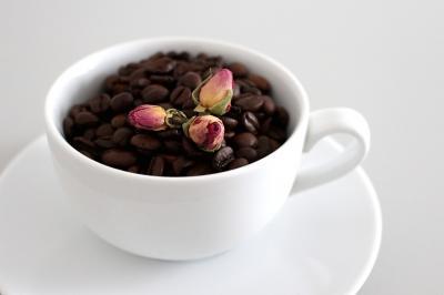 VIDEO Scrub cu cafea pentru corp. Elimina celulita si acneea rapid!