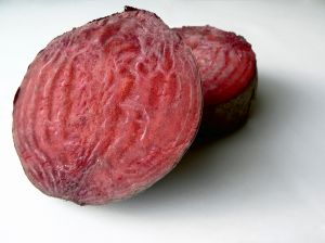 2 retete sanatoase cu sfecla rosie