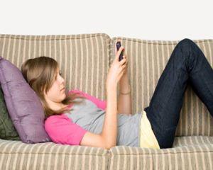 Dependenta de telefonul mobil: cum iti afecteaza sanatatea