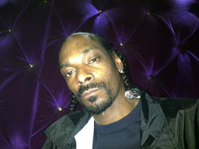 Snoop Dogg isi lanseaza al 18-lea album