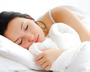 5 alimente pe care trebuie sa le eviti la cina daca vrei sa dormi mai bine