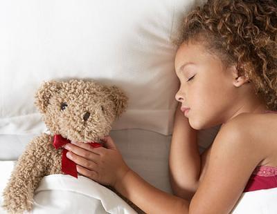 Stabileste un ritual de seara pentru copilul tau
