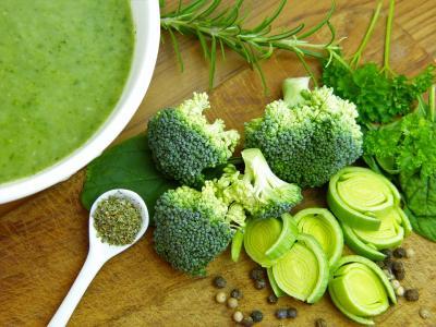 3 Supe detoxifiante ideale pentru pranz