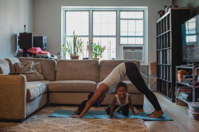 Cum sa te mentii in forma cand lucrezi de acasa: 4 ponturi