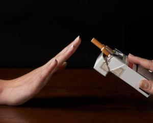 Secretul din farfurie care te ajuta sa renunti la fumat
