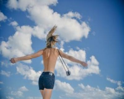 Stresul ingrasa? Fericirea iti modeleaza silueta