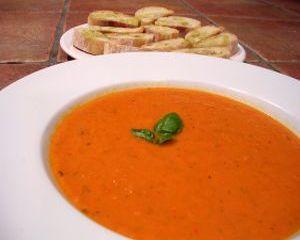 Supa de rosii cu taitei de casa - reteta pentru vegetarieni