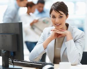 O tinuta neinspirata la birou ne poate strica intreaga zi. 3 trucuri de care trebuie sa tii cont dimineata