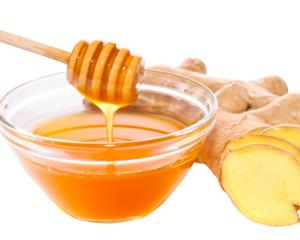 Cum sa tratezi natural raceala, astmul si durerile musculare cu ghimbir si miere