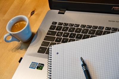 Cum sa te organizezi mai bine atunci cand lucrezi de acasa?
