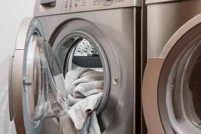 Greseli pe care le faci atunci cand speli haine