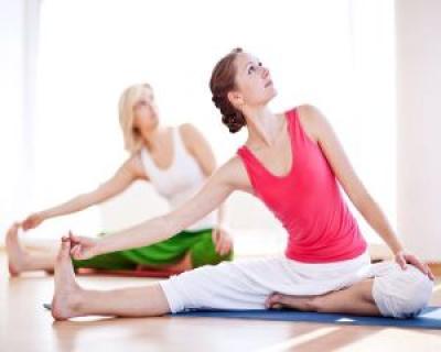 4 exercitii de yoga care fac minuni pentru sanatatea ta