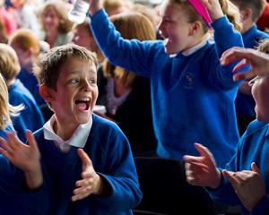 Cate zile libere au elevii in anul scolar 2014-2015