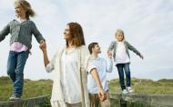 Cum sa cresti un copil fericit? Cu zambete, optimism, compasiune, libertate si grija (1)