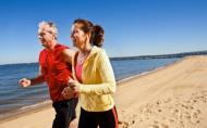 Alergatul este un sport potrivit si eficient la orice varsta