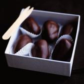 Curmale umplute cu ciocolata