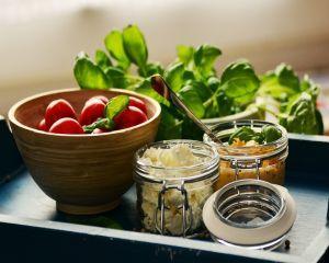 Adio, salate banale! Sfaturi de aur pentru cele mai creative salate