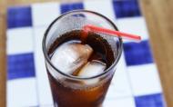 Cat trebuie sa alergi pentru a consuma caloriile pe care le contine un pahar de Coca-Cola