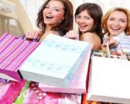 Femeile sunt dependente de cumparaturi. Cate rochii, bluze si pantofi cumpara o femeie pe parcursul vietii
