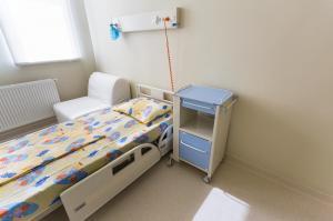 Asociatia Daruieste Viata si UNTOLD au construit primele doua camere sterile din Transilvania, la Spitalul Clinic de Urgenta pentru Copii din Cluj-Napoca