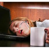 3 obiceiuri care te imbolnavesc la serviciu